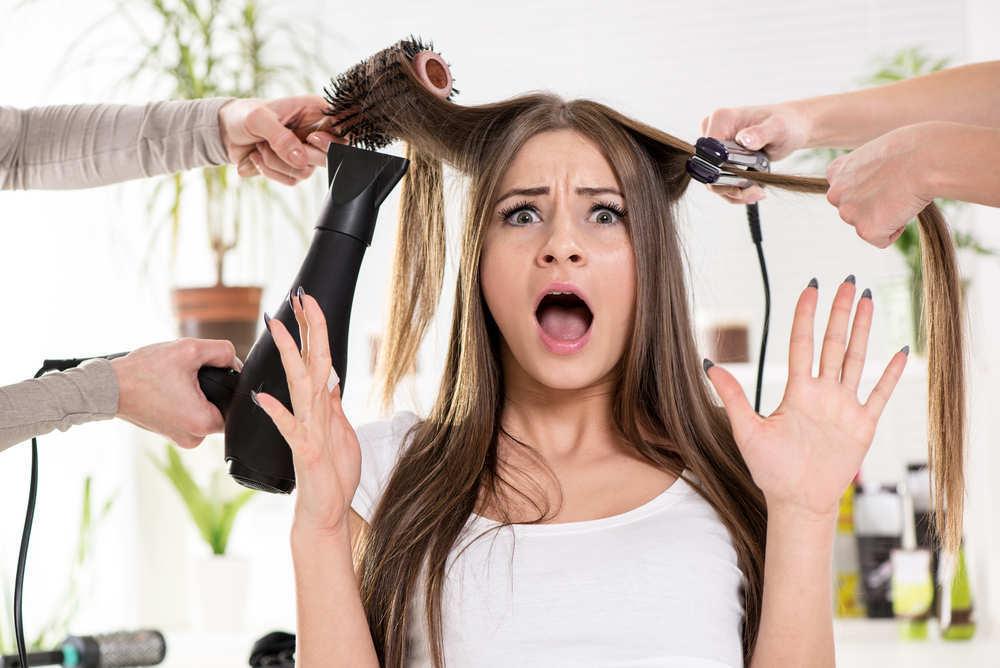 ¿Es tan malo utilizar planchas para alisar el pelo?