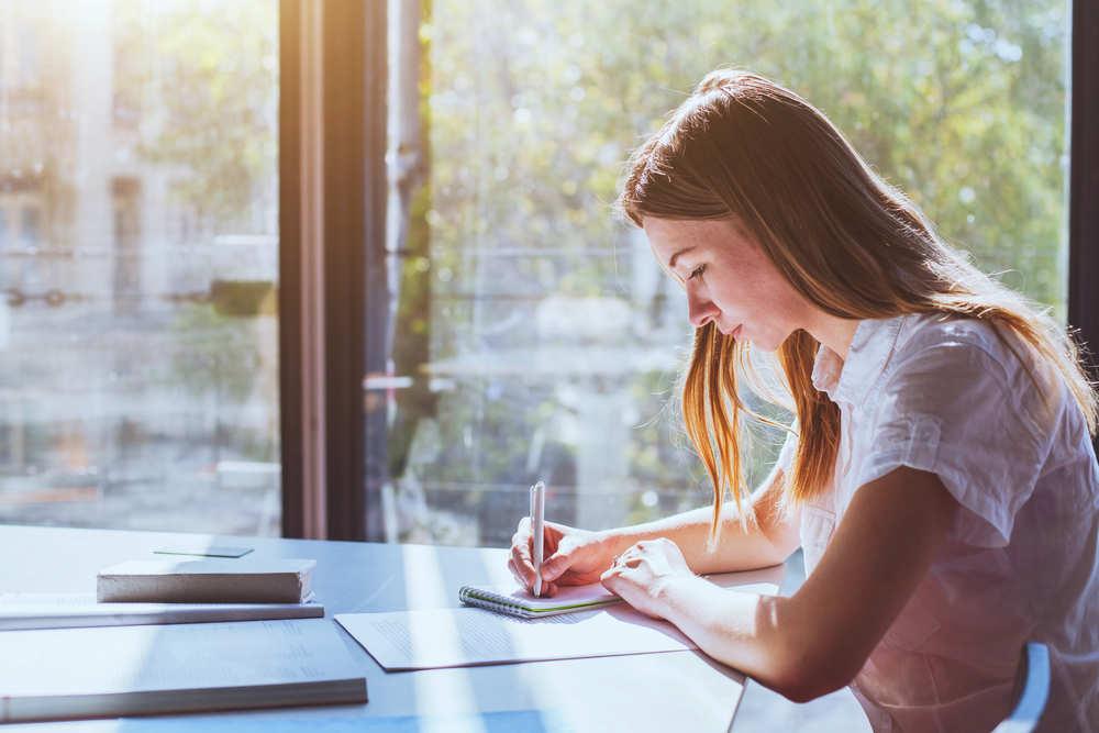 Complementa tus estudios y sácale brillo a tu currículum