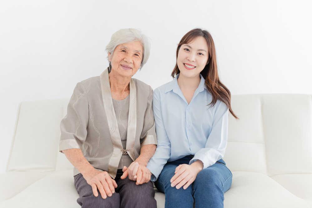 Los beneficios del cuidado a domicilio de las personas mayores